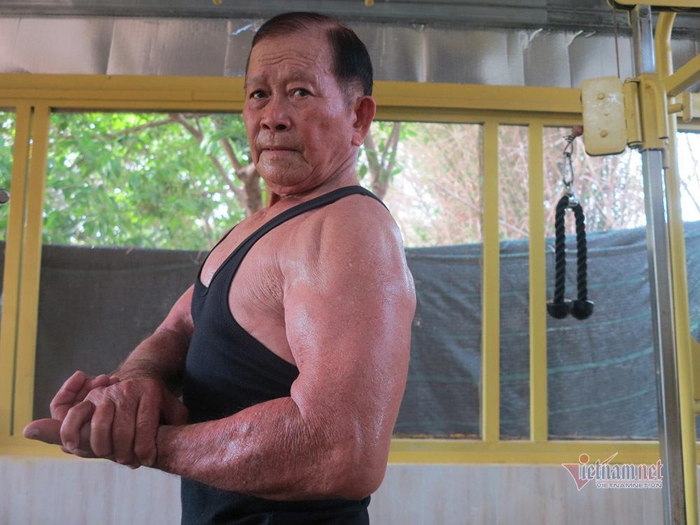 Cụ ông An Giang nhận bằng huấn luyện viên thể hình năm 80 tuổi Ảnh 5
