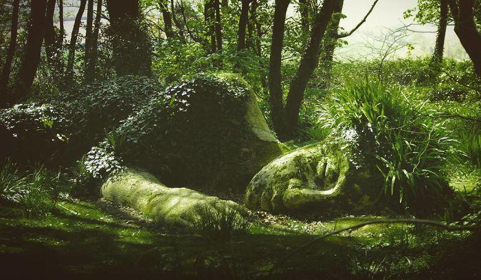 Tượng thiếu nữ ngủ thay đổi diện mạo qua các mùa Ảnh 13
