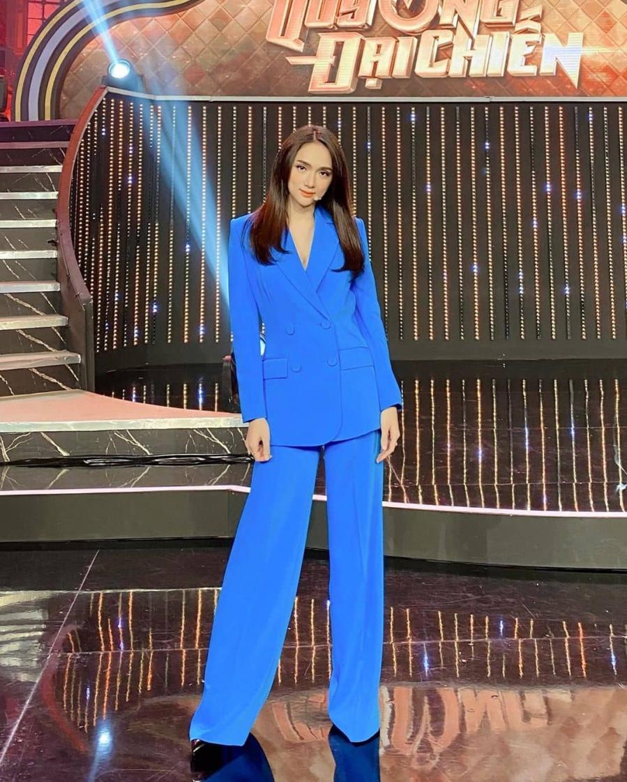 Mẫu thời trang giúp ca sĩ Minh Hằng 'hack' dáng thần sầu Ảnh 7