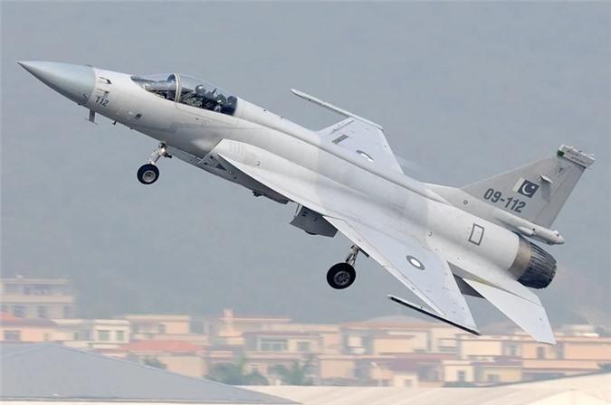 Những chiếc máy bay đặc biệt được sản xuất tại các quốc gia 'không ngờ' Ảnh 1