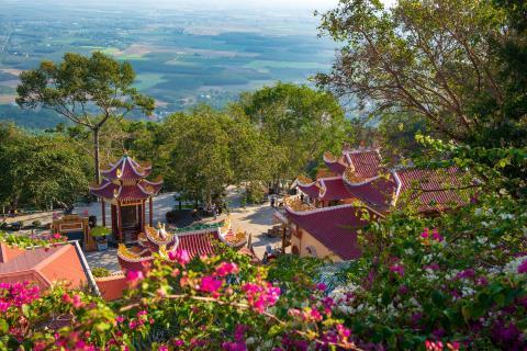 Tháng 6 về Tây Ninh trẩy hội Vía Bà Ảnh 3
