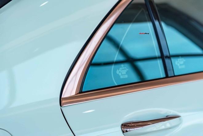 Độ cực độc, Mercedes-Benz S 450 Luxury phiên bản vàng hồng vẫn có giá bán lại rẻ hơn cả tỷ đồng dù mới chạy 12.000km Ảnh 6