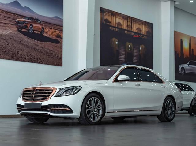 Độ cực độc, Mercedes-Benz S 450 Luxury phiên bản vàng hồng vẫn có giá bán lại rẻ hơn cả tỷ đồng dù mới chạy 12.000km Ảnh 1