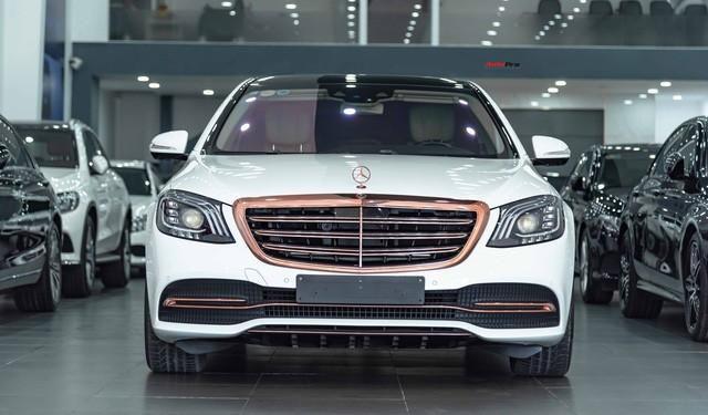 Độ cực độc, Mercedes-Benz S 450 Luxury phiên bản vàng hồng vẫn có giá bán lại rẻ hơn cả tỷ đồng dù mới chạy 12.000km Ảnh 2