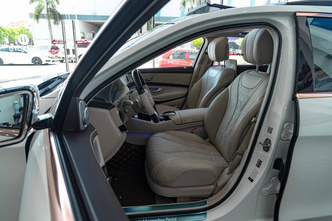 Độ cực độc, Mercedes-Benz S 450 Luxury phiên bản vàng hồng vẫn có giá bán lại rẻ hơn cả tỷ đồng dù mới chạy 12.000km Ảnh 19