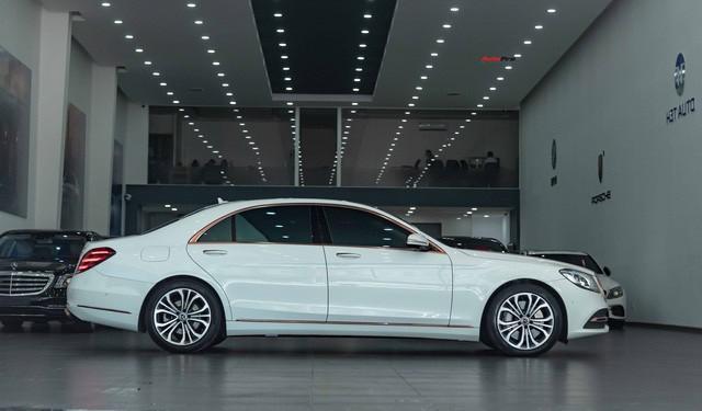 Độ cực độc, Mercedes-Benz S 450 Luxury phiên bản vàng hồng vẫn có giá bán lại rẻ hơn cả tỷ đồng dù mới chạy 12.000km Ảnh 4