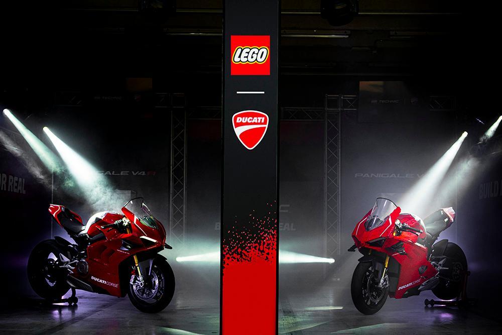 Siêu phẩm Ducati Panigale V4R LEGO: Đồ chơi trẻ em kết hợp với ước mơ người lớn Ảnh 1