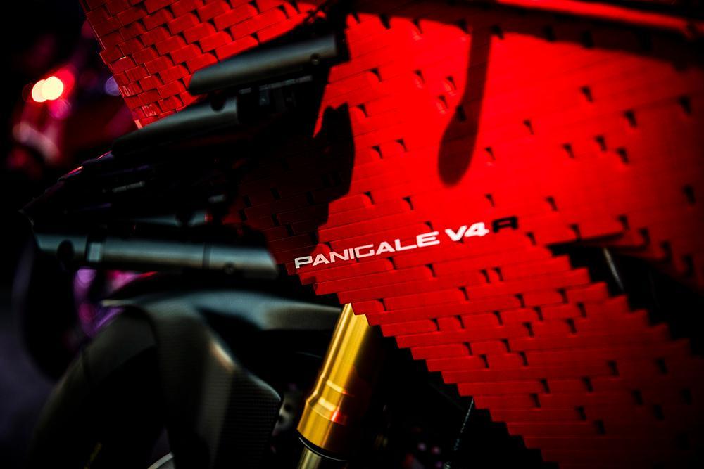 Siêu phẩm Ducati Panigale V4R LEGO: Đồ chơi trẻ em kết hợp với ước mơ người lớn Ảnh 10