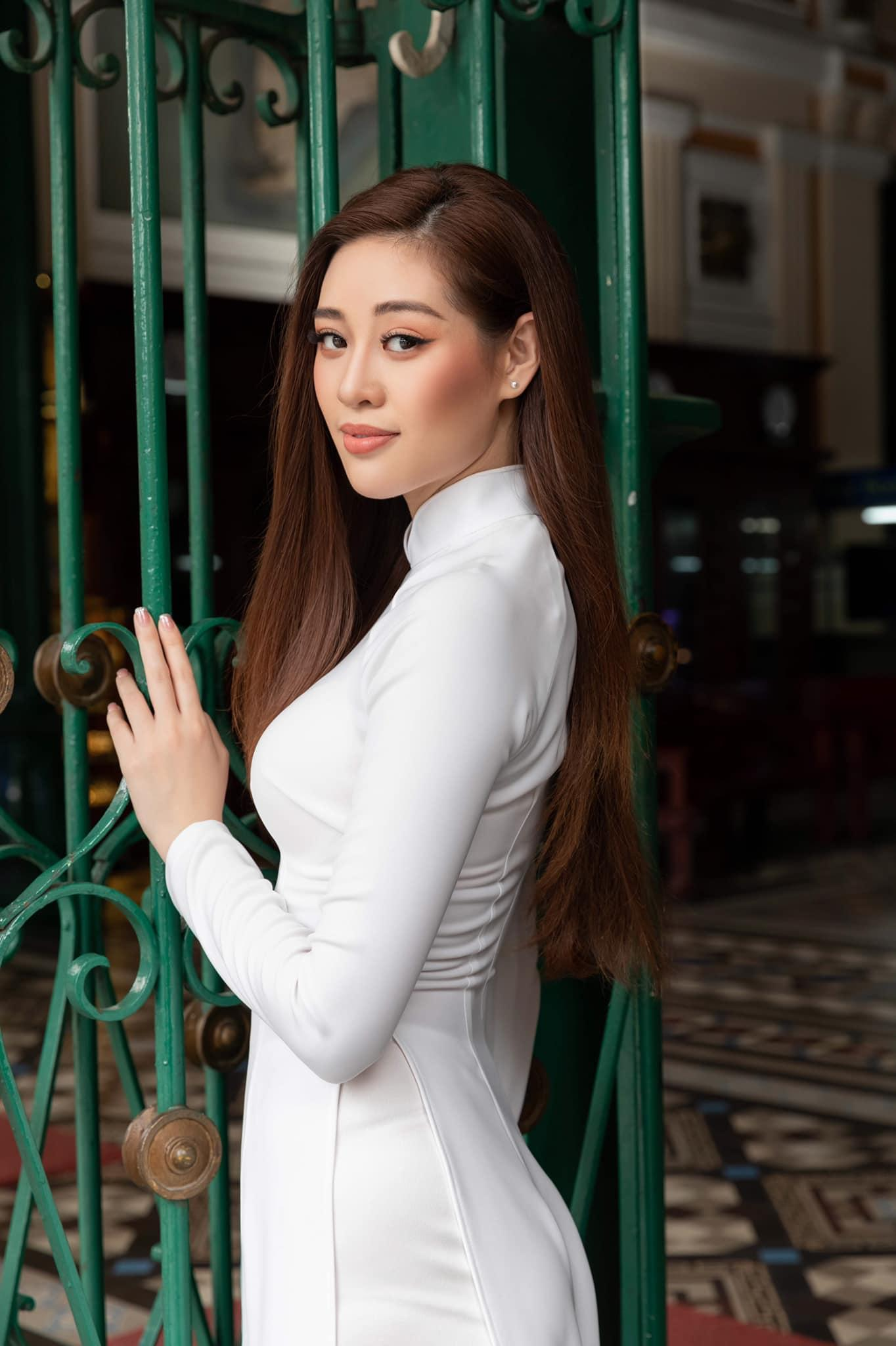 Nhan sắc Việt tỏa sáng với áo dài Ảnh 1