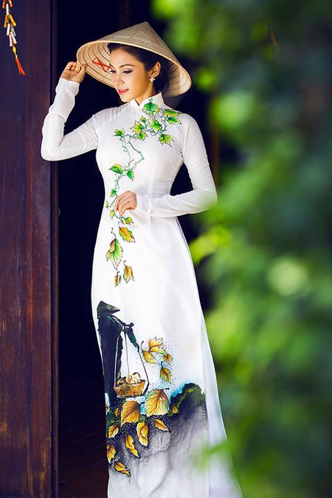 Nhan sắc Việt tỏa sáng với áo dài Ảnh 3