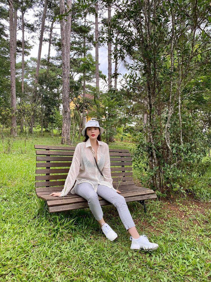 Hoa hậu Diễm Hương mặc áo tắm đỏ rực khoe đường cong uốn lượn nóng bỏng Ảnh 11