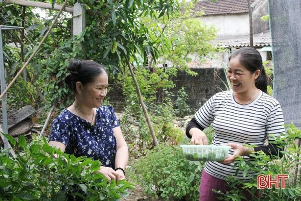 Người phụ nữ ở Hà Tĩnh 11 năm chăm sóc hàng xóm tật nguyền Ảnh 6