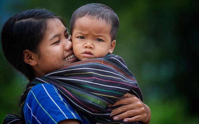 Khoảnh khắc yêu thương của những em bé bên mẹ Ảnh 7