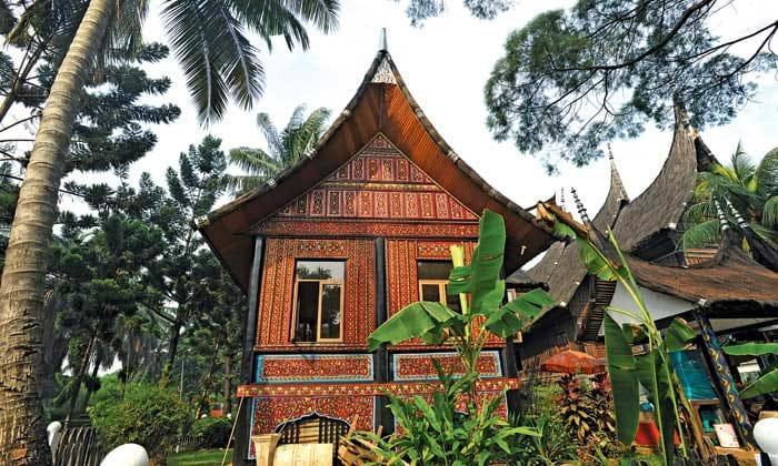 Nhà sừng trâu của người Minangkabau Ảnh 1