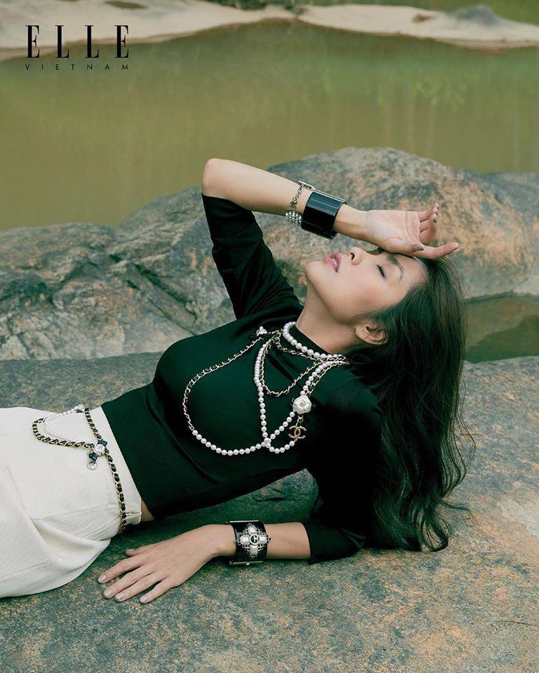 Tăng Thanh Hà khoe thần thái đỉnh cao, xứng danh 'ngọc nữ' trong bộ ảnh chụp tại Đà Lạt Ảnh 2