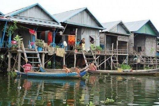 Cuộc sống trên mặt nước tại những ngôi làng nổi kỳ lạ nhất thế giới Ảnh 1