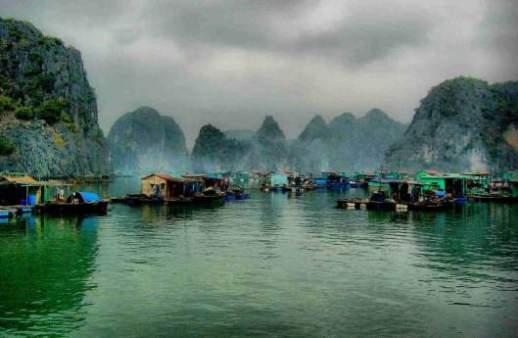 Cuộc sống trên mặt nước tại những ngôi làng nổi kỳ lạ nhất thế giới Ảnh 3