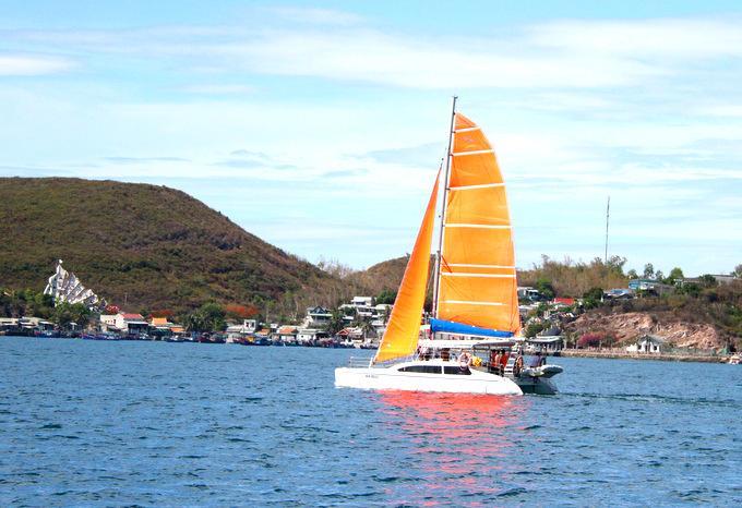 Khảo sát tour thuyền buồm trên vịnh Nha Trang Ảnh 3