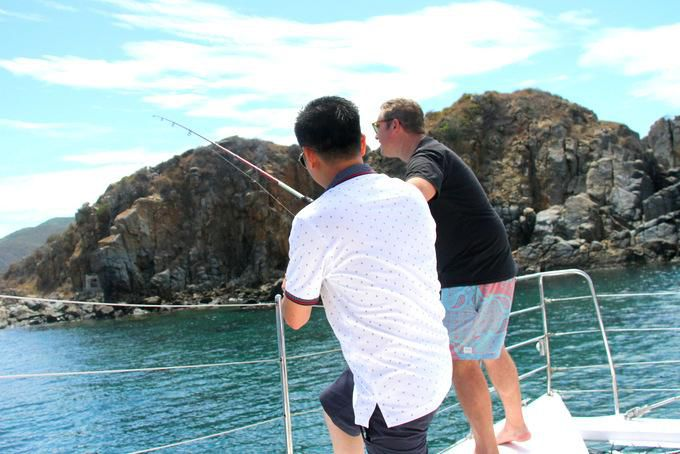 Khảo sát tour thuyền buồm trên vịnh Nha Trang Ảnh 5