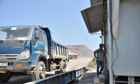 Đồng Nai phạt hơn 1.700 xe quá tải trong 6 tháng đầu năm Ảnh 2
