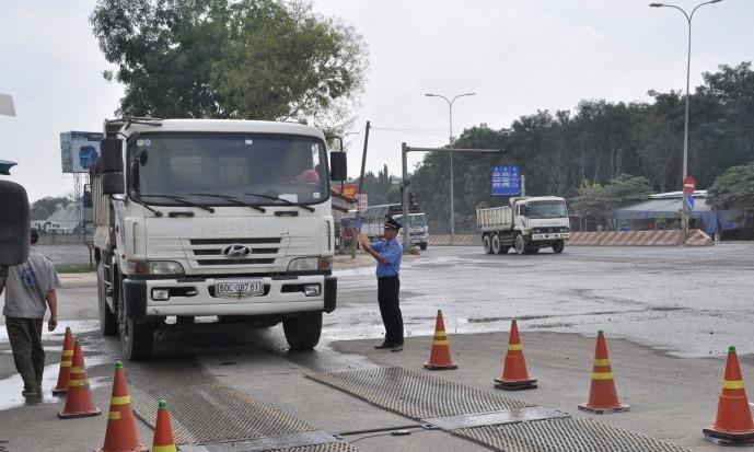 Đồng Nai phạt hơn 1.700 xe quá tải trong 6 tháng đầu năm Ảnh 1
