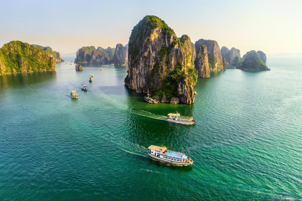 Vịnh Hạ Long vào danh sách 50 kỳ quan thiên nhiên đẹp nhất thế giới Ảnh 1
