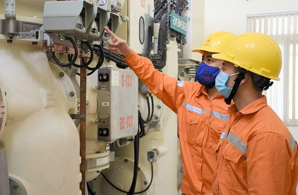Bất ngờ kiểm tra 40.000 công tơ điện ở thành phố Hà Tĩnh Ảnh 1