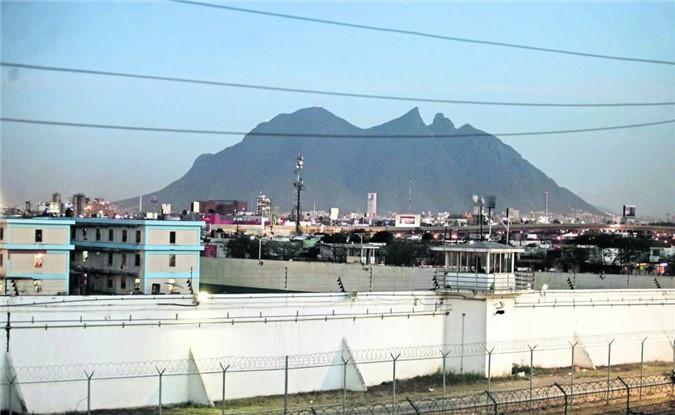 Bàn thờ tử thần trong nhà tù nguy hiểm bậc nhất Mexico Ảnh 1