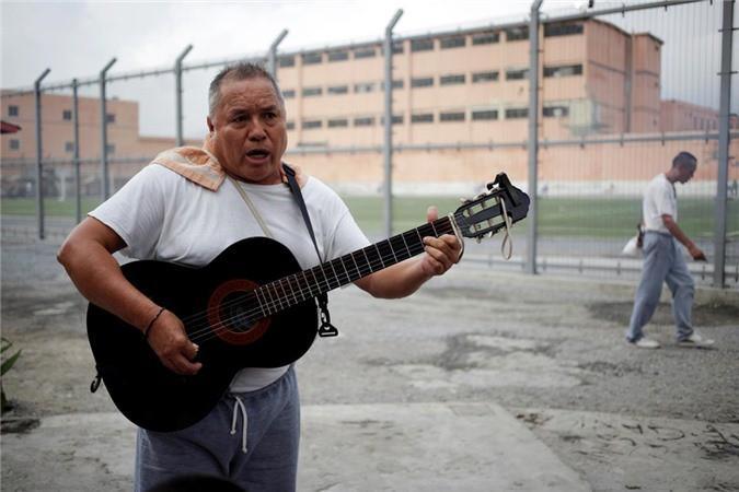Bàn thờ tử thần trong nhà tù nguy hiểm bậc nhất Mexico Ảnh 8