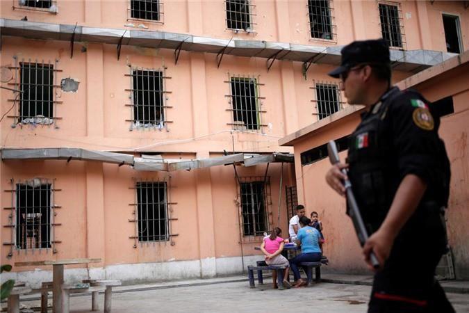 Bàn thờ tử thần trong nhà tù nguy hiểm bậc nhất Mexico Ảnh 12
