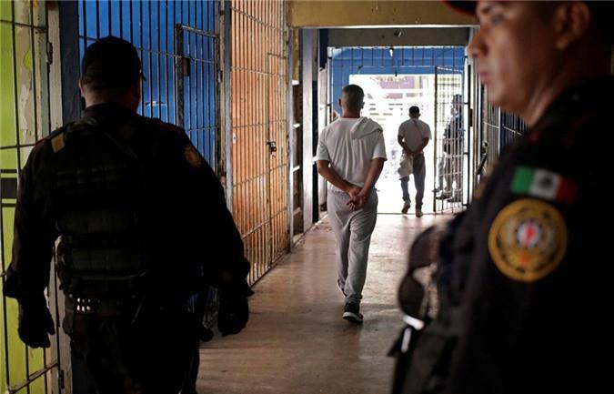 Bàn thờ tử thần trong nhà tù nguy hiểm bậc nhất Mexico Ảnh 3
