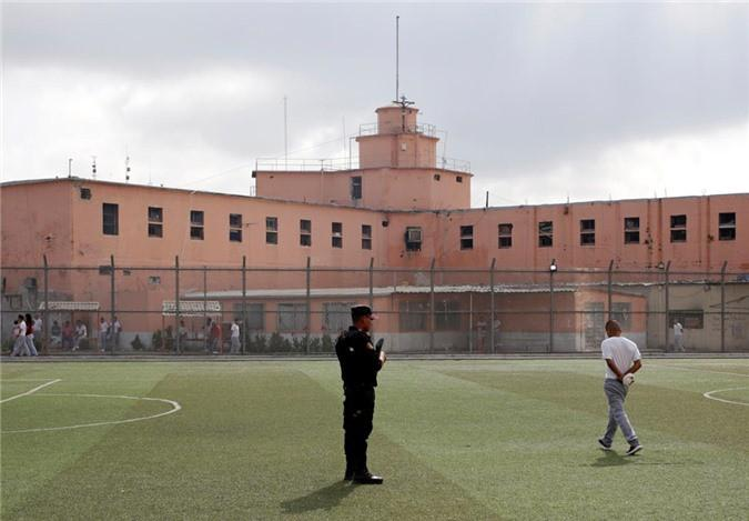 Bàn thờ tử thần trong nhà tù nguy hiểm bậc nhất Mexico Ảnh 10