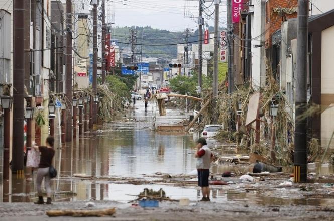 Hàng vạn người Nhật phải sơ tán do mưa lũ Ảnh 3