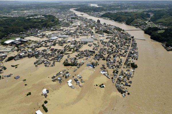 Hàng vạn người Nhật phải sơ tán do mưa lũ Ảnh 6