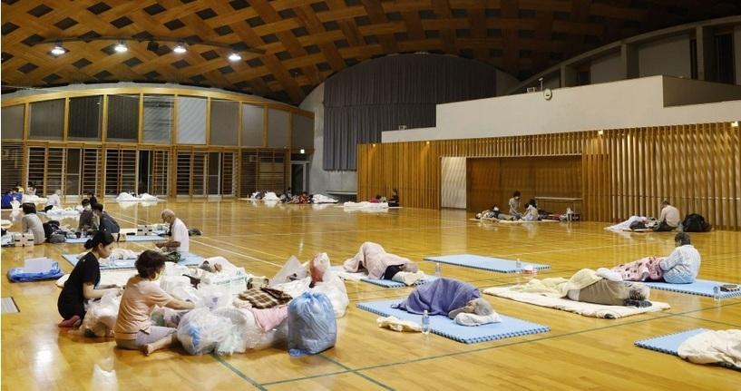 Hàng vạn người Nhật phải sơ tán do mưa lũ Ảnh 7
