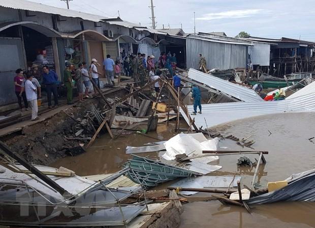 Cà Mau: Sạt lở đất gây thiệt hại 14 nhà dân ở huyện Năm Căn Ảnh 1