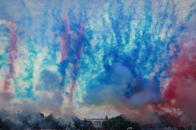 Nước Mỹ 'đối nghịch' trong ngày Quốc khánh Ảnh 2