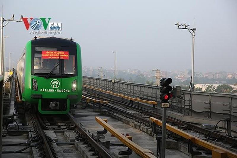 Nhiều chuyên gia Trung Quốc của đường sắt Cát Linh đã sang Việt Nam Ảnh 2