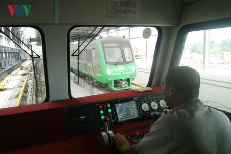 Nhiều chuyên gia Trung Quốc của đường sắt Cát Linh đã sang Việt Nam Ảnh 1