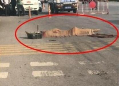 Hải Phòng: Cụ già 90 tuổi đi hành khất chết thảm dưới bánh xe ô tô Ảnh 1