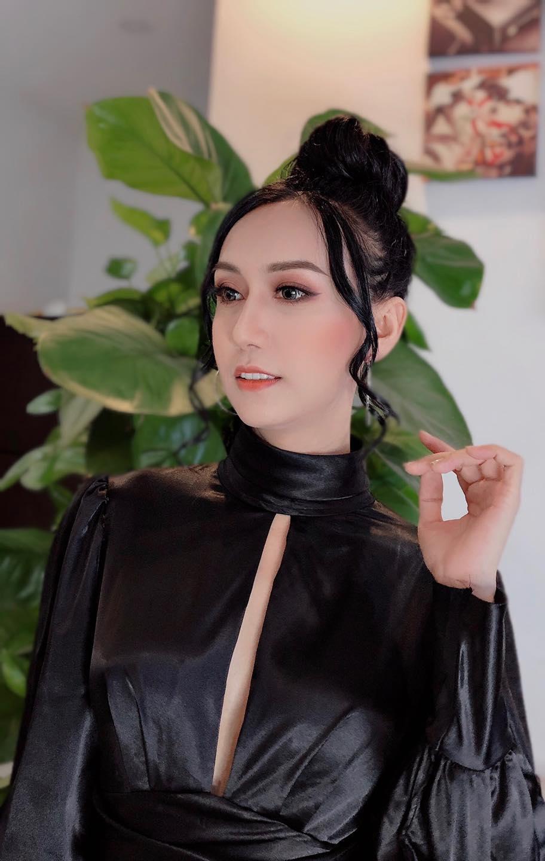 Lynk Lee makeup kiểu Tây, dân mạng khen xinh nhưng hơi 'dừ' Ảnh 2