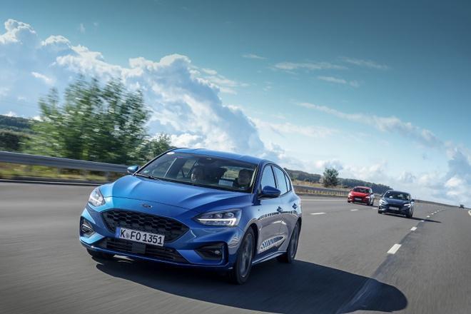 Chiếc Ford Focus bị camera tốc độ ghi chạy 703 km/h Ảnh 1
