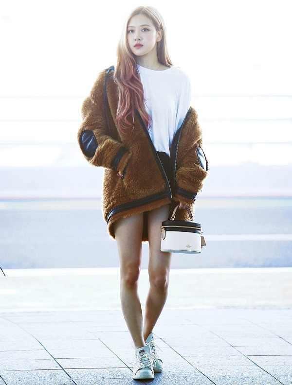 Không chỉ Yoona, đến lượt Rosé cũng có siêu năng lực biến chân vòng kiềng thành chân thẳng Ảnh 3
