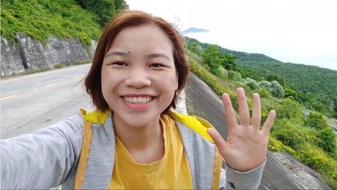Nữ sinh trường Nông nghiệp một mình đạp xe xuyên Việt Ảnh 1