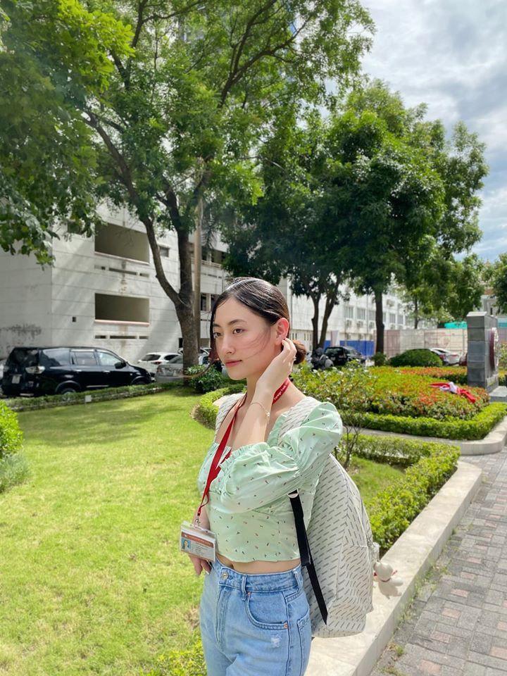 Mâu Thủy bốc lửa với bikini, Kim Duyên khoe eo thon táo bạo trên phố Ảnh 5