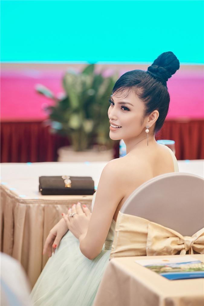 Kim Huyền Sâm khoe vóc dáng mảnh mai, nuột nà Ảnh 5