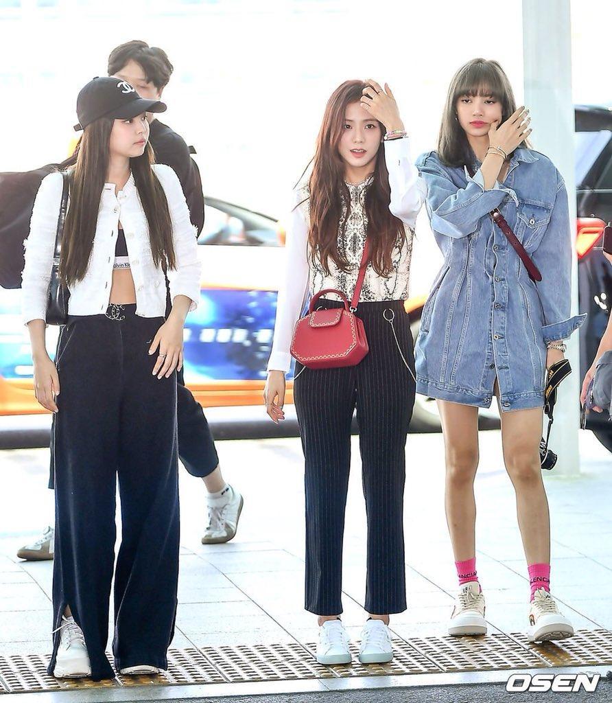 Cặp bạn thân Ngọc Trinh - Diệu Nhi, Kendall và Gigi mặc gì cũng hot, khiến dân tình sôi sục Ảnh 12