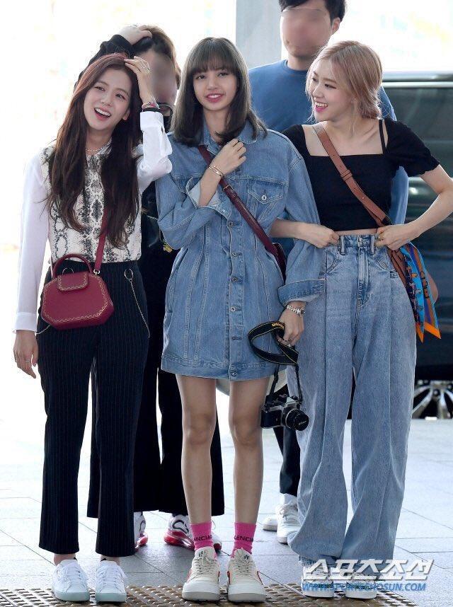 Cặp bạn thân Ngọc Trinh - Diệu Nhi, Kendall và Gigi mặc gì cũng hot, khiến dân tình sôi sục Ảnh 11