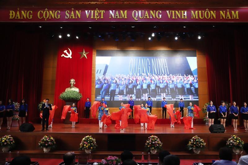 Chương trình nghệ thuật chào mừng thành công Đại hội Đảng bộ Khối các cơ quan tỉnh Ảnh 1