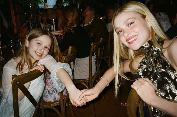 Con dâu nhà tỷ phú tiết lộ 'nhiếp ảnh gia' đằng sau bức ảnh đính hôn với Brooklyn Beckham gây xôn xao cả thế giới Ảnh 2